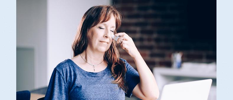 womanusingclearuponsinuses